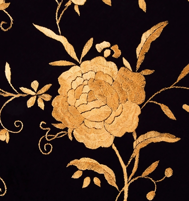 negro bordado oro